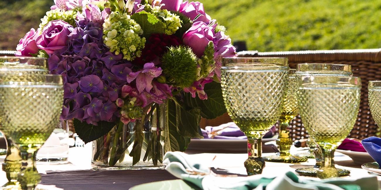 """""""Meu compromisso é criar projetos florais exclusivos e surpreendentes para cada cliente"""", diz a florista Luly Vidigal"""