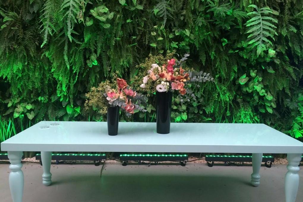 Flores para evento da Freixenet no Manioca.