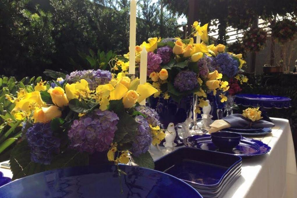 Flores para evento ao ar livre da Degustar
