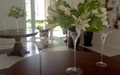Para preencher um grande hall, nada como a delicadeza das xxxx em taças de cristal.