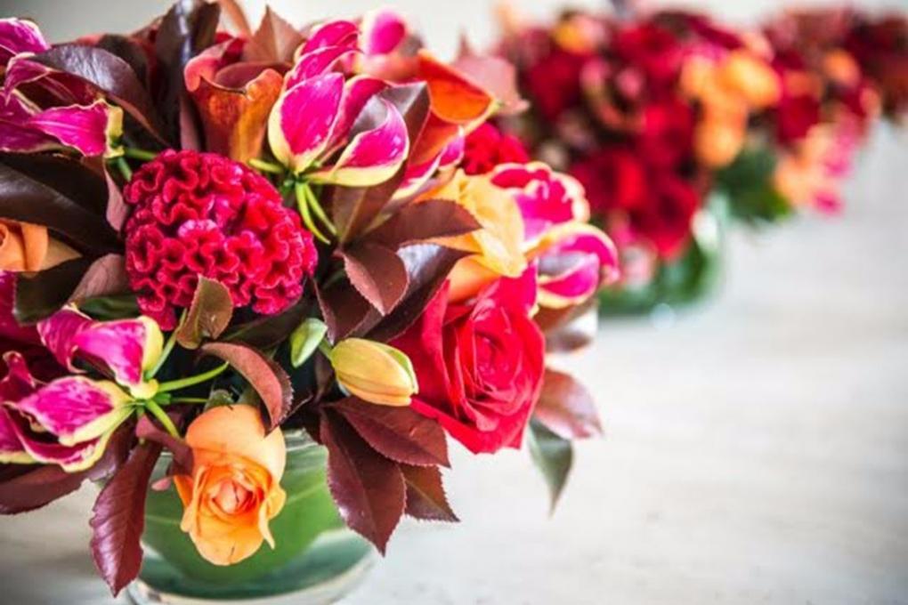 Jantar de amigos flores de outono