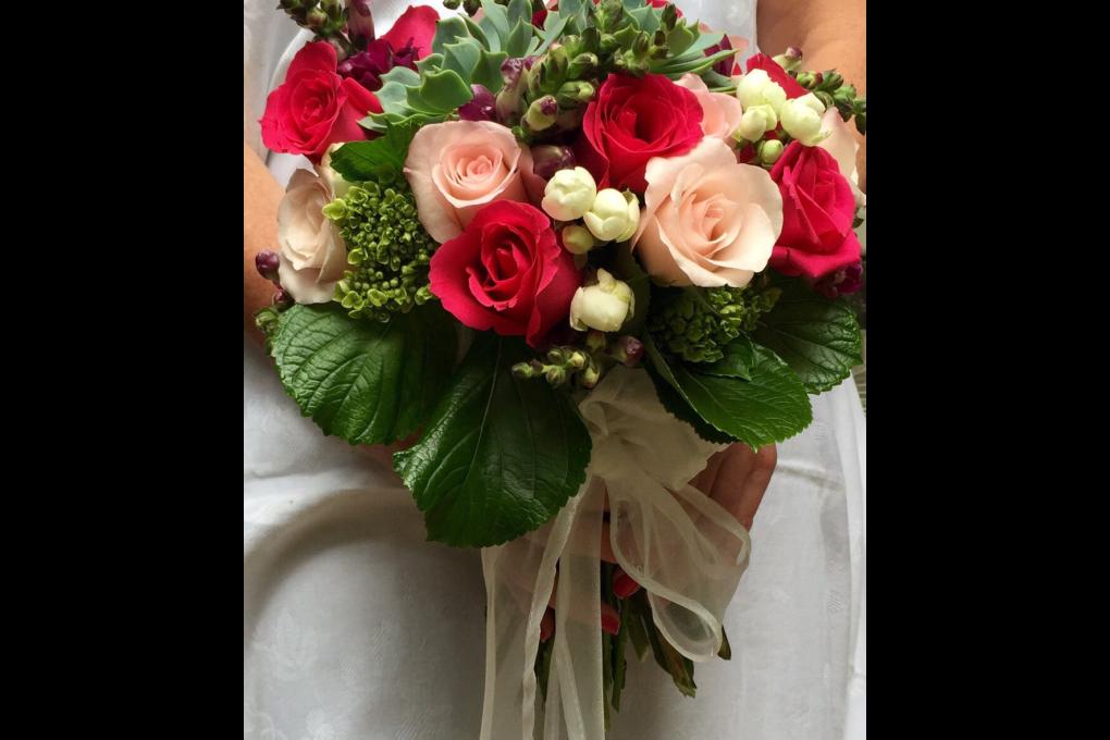 Buquê com rosas vermelhas