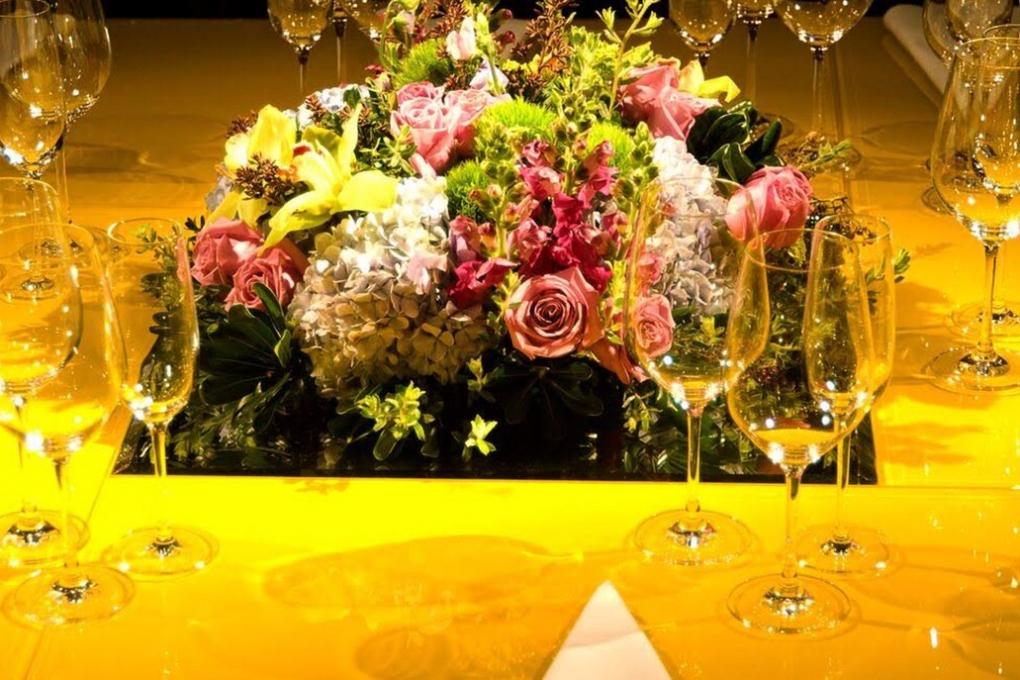 Arranjos florais para o evento do Tucca